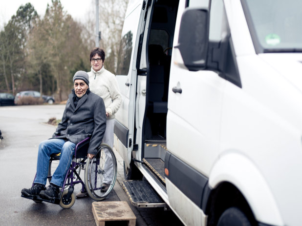 Traveling with Comfort: Tips on Finding the Right Non Emergency Transportation Service Provider